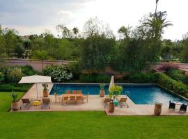 Hotel Photo: Villa Relaxe 15 At Four Seasons Private Residence