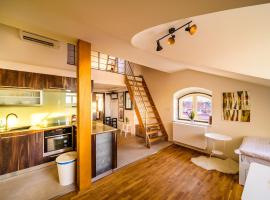 Hotel Photo: Rooftop Triplex Apartment in Centre
