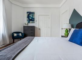 A picture of the hotel: One-Bedroom on Rue Villeneuve Ouest Apt 8
