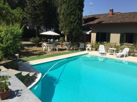 Hotel photo: White Apartment in Villa with Pool