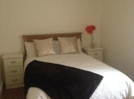 Hotel Photo: Modern Towncentre 3 bedroom House