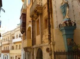 Hotel Photo: Charming Apartment in Historic Three Cities Malta