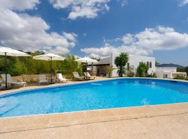 Hotel photo: Villa Can Porxo