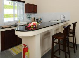 Hotel Photo: Surfers Beach Self Catering Chalets