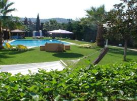Hotel photo: Enormous Villa - Old Harbor - Spetses