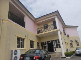 A picture of the hotel: Deroma Hotel and Suites