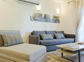 Hotel photo: TLV Suites By The Sea - 2 Rooms