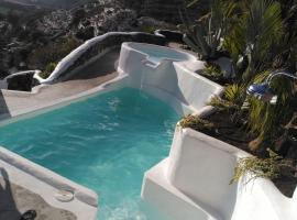 Hotel photo: Vilna House with private pool