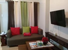 Hotel Photo: Your Home Away from Home Royal Palm Residences