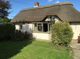 Hotel Photo: Thatched Cottage