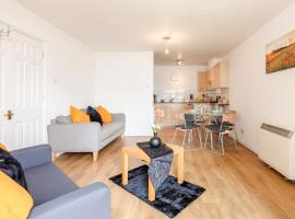 Hotel Photo: Cosy Riverside Apartment in Royal Docks