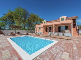 Hotel Photo: Holiday home Sestan