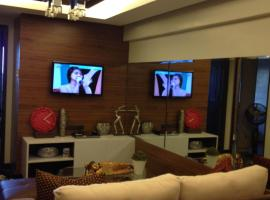 Hotel Photo: Resort type Condo at Royal Palm Residences at the heart of Taguig