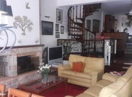 Hotel Photo: Alimos Maisonette
