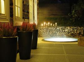 Hotel Photo: Dream Cottage with Jacuzzi and Garden, 10min from OLD TOWN