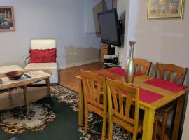 Hotel Photo: Furnished Basement Apartment located by Square 1