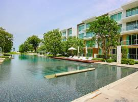 Huahin Luxury Beachfront Condo by ML Khao Tao Thailand