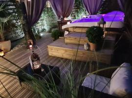 Hotel photo: Appartement Hotes & Demeures