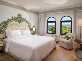 Hotel Photo: Pine Cliffs Hotel, A Luxury Collection Resort