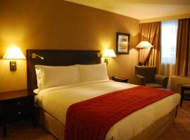 Hotel near  Johannesburg Intl  airport:  Southern Sun OR Tambo International Airport