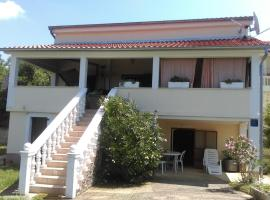Hotel Photo: Holiday home in Kras/Insel Krk 12482