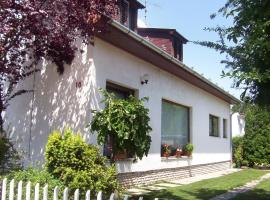 Hotel Photo: Holiday home in Siofok/Balaton 20003