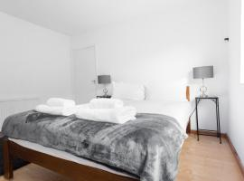 Hotel Photo: World Short Stay Apartment next to Hyde Park