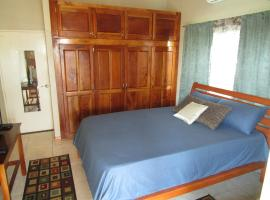 Hotel Photo: The Residence Portmore Apartment 1