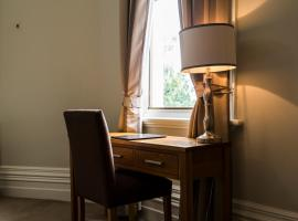 Hotel Photo: Simmers Serviced Apartments