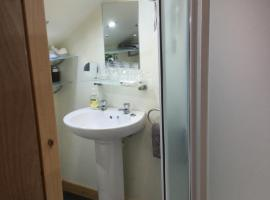 Hotel Photo: Inverlochy Villas (Adults Only)