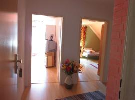 A picture of the hotel: 3-Zimmerwohnung-fuer-11-Personen
