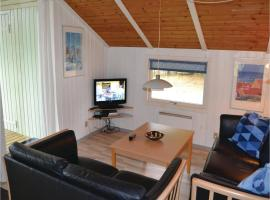 Hotel Photo: Holiday home Plutovej