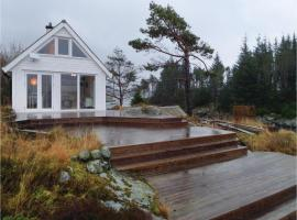 Hotel photo: Two-Bedroom Holiday Home in Steinsland