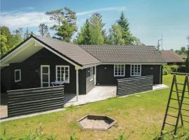 Hotel Photo: Holiday home Torndrup Strand Hals