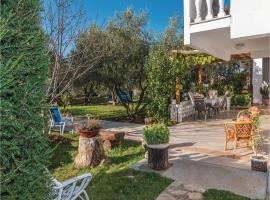 Hotel Photo: Two-Bedroom Holiday home Zadar 03