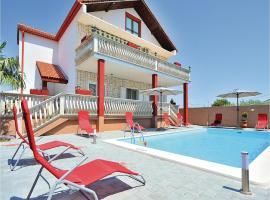 Hotel Photo: Apartment Biograd na Moru with Outdoor Swimming Pool 187