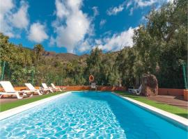 Hotel photo: Two-Bedroom Holiday home Santa Lucia with an Outdoor Swimming Pool 07