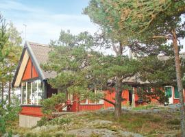 Hotel Photo: Holiday home Norraladholmen Stavsnäs