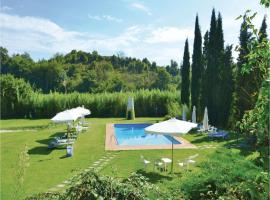 Hotel Photo: Apartment Gambassi Terme 95 with Outdoor Swimmingpool