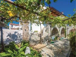 Hotel photo: One-Bedroom Holiday Home in Punat