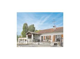 Hotel Photo: Holiday home Lieu dit Charrin