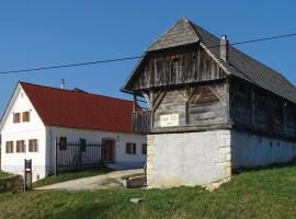 Hotel photo: Three-Bedroom Holiday Home in Skocjan