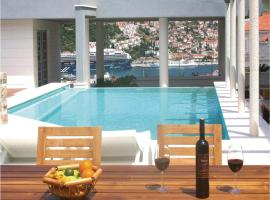 Hotel photo: Two-Bedroom Apartment in Dubrovnik