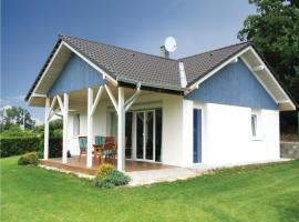 Hotel Photo: Holiday home Putim