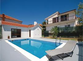 Hotel Photo: Holiday Home Trogir 05