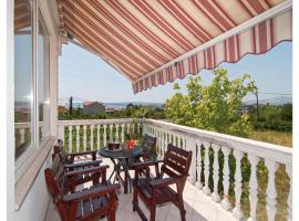 Hotel Photo: Apartment Kastel Luksic with Sea View 374