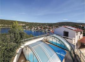 Hotel photo: Holiday Home Drvenik Veliki with Sea View 03