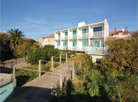 Hotel Photo: Apartment Sucuraj with Sea View 09