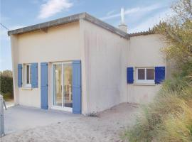 Hotel Photo: Holiday Home Anneville Sur Mer Rue Du Chemin De Fer