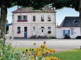 Hotel Photo: Holiday Home Bouber Sur Canche Bis Place General De Gaulle